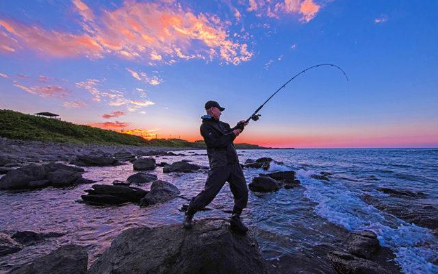 夕焼けの釣り人-2