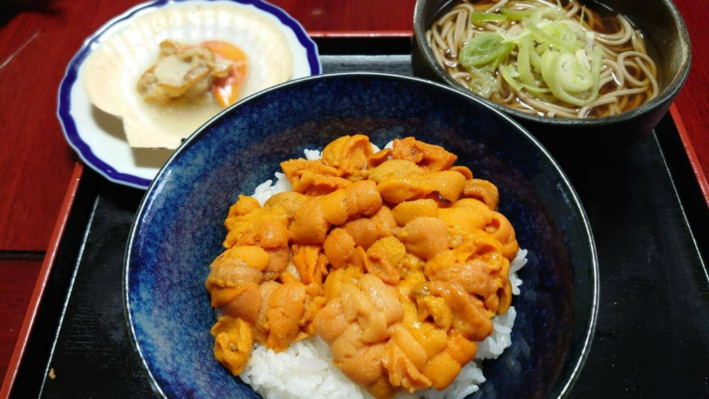 蟹蔵成瀬ウニ丼